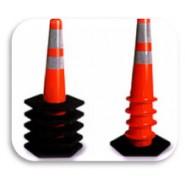 Cọc giao thông xếp chồng
