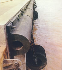 Đệm chống va đập hàng hải kiểu D