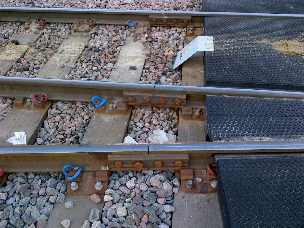 Tấm lót dưới đường sắt bằng cao su